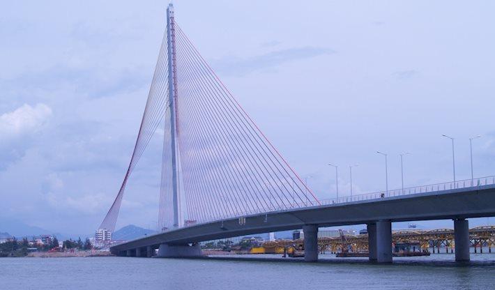 Van Troi Thi Ly Bridge by day