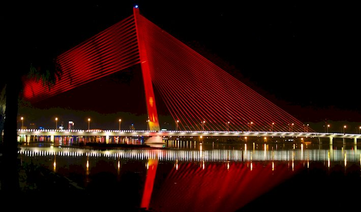 Van Troi Thi Ly Bridge by night